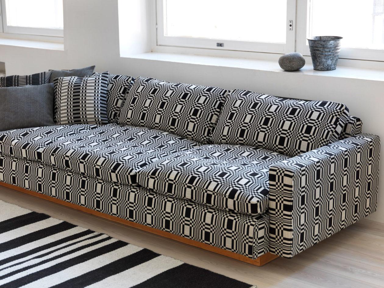 Upholstery Fabric Doris black.
